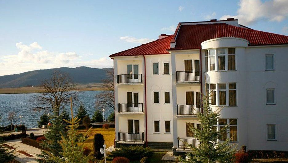 Bazaleti Lake Resort