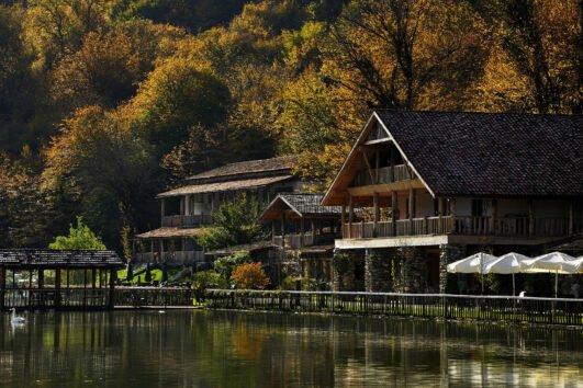 سحر جورجيا بين أحضان الطبيعة