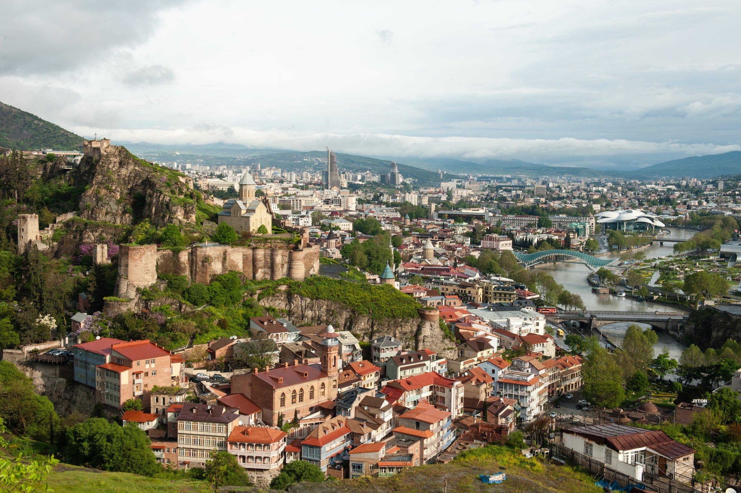 نبذة زيارات تبليسي المدينة الساحرة